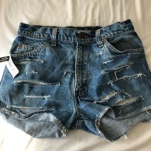 Vintage Levi's Shorts (NEW WITH TAGS)